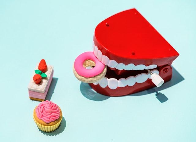 Kartáček s pastou na zuby